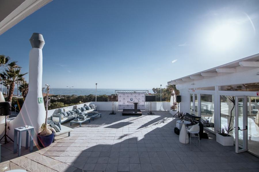 Montaje de terraza para presentación de producto