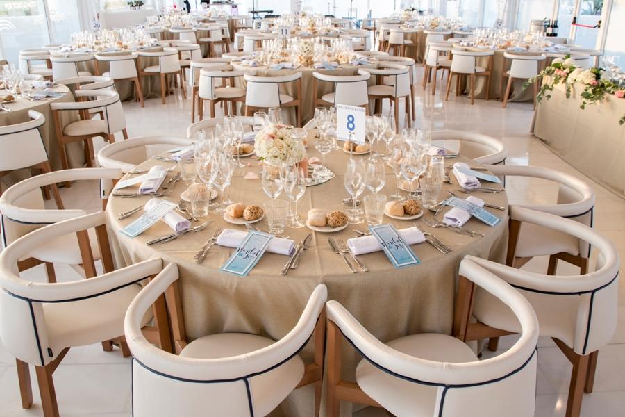 Montaje de sala acristalada para boda